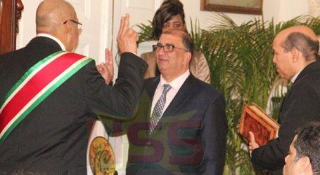 Minister Antoine Elias beëdigd tot minister van Volksgezondheid