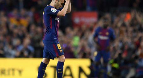 Zo nam Camp Nou zondag afscheid van Andrés Iniesta