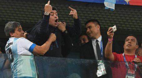 FIFA wijst Maradona op voorbeeldfunctie tijdens WK