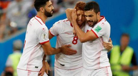 Tunesië verlaat Rusland met eerste WK-overwinning in veertig jaar