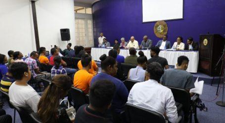 President Bouterse ontvangt studenten AdeKUS