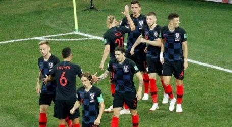 Kroatië verslaat Denemarken na penalty's en is vierde kwartfinalist op WK