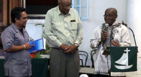 'Het kruis voor een Kankantri' gepresenteerd en overhandigd aan minister Noersalim
