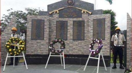 Herdenkingsbijeenkomst met bloemenhulde voor Gesneuvelde Militairen