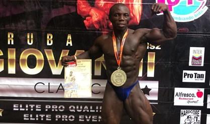 Bodybuilder Koese wint eerste wedstrijd bij prof-debuut