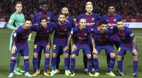 FC Barcelona heeft zich dinsdag als eerste club verzekerd van de achtste finales van de Champions League.