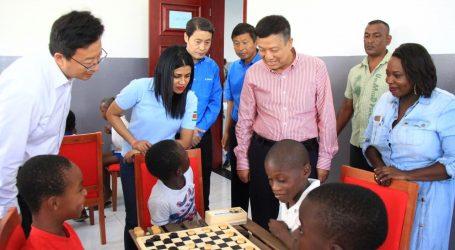 Minister Gopal en Chinese ambassadeur bezoeken Multifunctional Community Centre Sophia's Lust