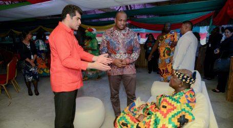 Vice President vertegenwoordigt President Bouterse in Ghana
