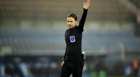 Frappart eerste vrouwelijke scheidsrechter in Franse Ligue1