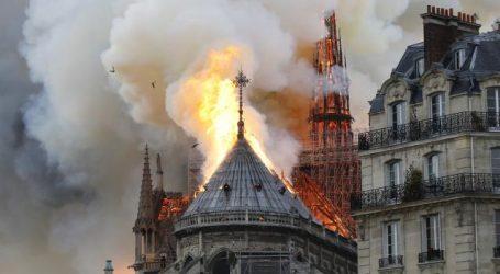 Brand Notre-Dame volledig geblust, geen aanwijzingen gevonden voor opzet