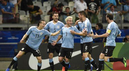 Uruguay heeft zich als groepswinnaar voor de kwartfinales van de Copa América geplaatst