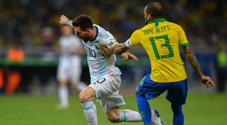 Messi baalt van arbitrage en ziet mooie toekomst voor Argentinië