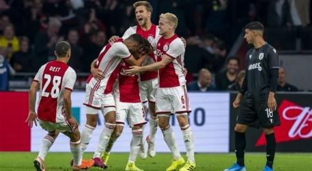 Ajax bereikt play-offs Champions League