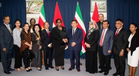 Delegatie parlement Indonesië brengt beleefdheidsbezoek aan minister Buitenlandse Zaken