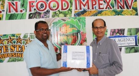 MN Food Impex N.V. krijgt bezoek van Minister Rabin Parmessar