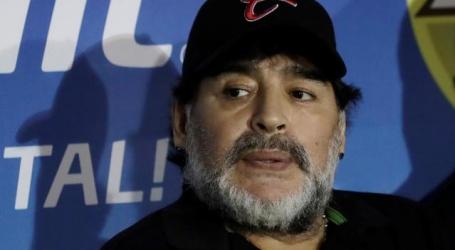 Diego Maradona is aangesteld als trainer van Gimnasia y Esgrima