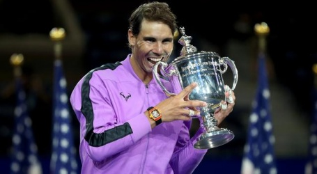 Nadal wint zinderende US Open-finale en pakt negentiende Grand Slam-tite