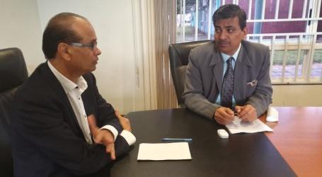 Minister Parmessar ontvangt ambassadeur van India