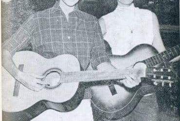 The Singing Twins viert 70ste verjaardag met afscheidsshow