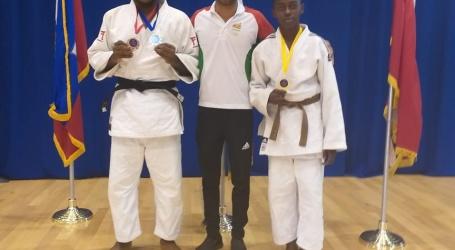 Judoka's behalen medailles in Barbados
