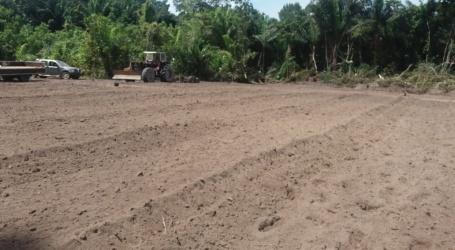 Voorlichting aan binnenlandbewoners over hooglandrijstteelt in Brokopondo