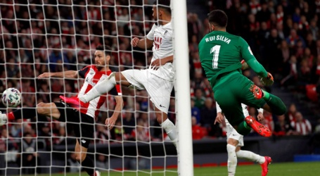 Bilbao in eerste halve finale beker nipt langs Granada