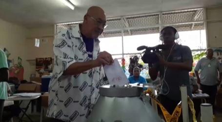 Suriname stemt; stembureaus open tot 21.00 uur