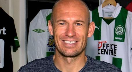 Robben krijgt geen salaris van FC Groningen als hij geblesseerd is