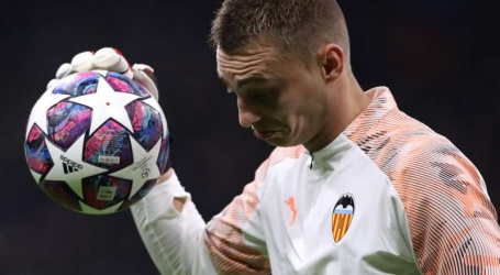 Cillessen krijgt te maken met nieuwe trainer bij tegenvallend Valencia