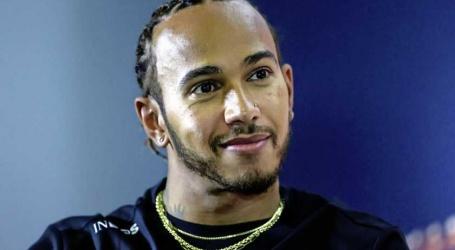 Lewis Hamilton met de schrik vrij