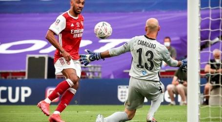 Arsenal toch nog Europa League in door goals Aubameyang tegen Chelsea.