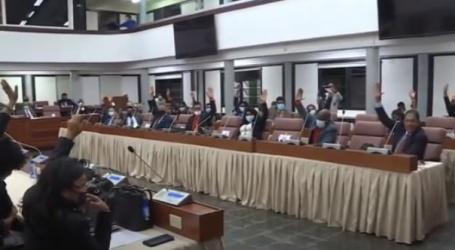 PARLEMENT STELT EX-MINISTER HOEFDRAAD IN STAAT VAN BESCHULDIGING