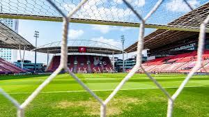 FC UTRECHT IS ZEVENDE NEDERLANDSE PROFCLUB MET CRONA BESMETTING