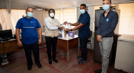 Unicef doneert PPE aan Minowc