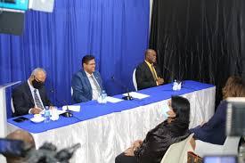 President Santokhi spreekt ambassadepersoneel en Surinaamse ondernemers in Guyana