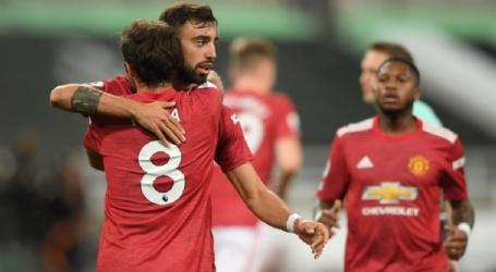 Manchester United met invaller Donny van de Beek laat langs Newcastle.
