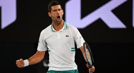 Djokovic maakt einde aan sprookje Karatsev en bereikt Australian Open-finale