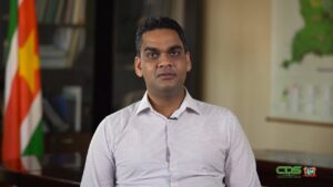 Minister Ramadhin kondigt start COVID-19 vaccinatiecampagne aan