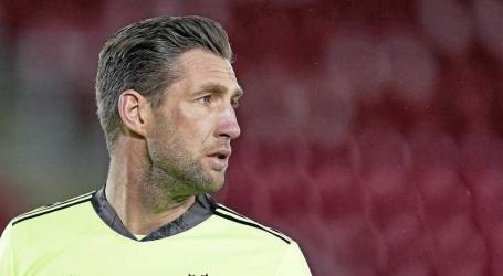 Ajax zegt contract Maarten Stekelenburg op