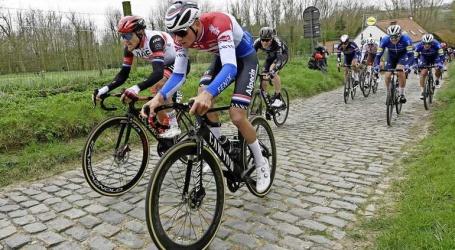 Mathieu van der Poel grijpt net naast tweede zege in Ronde van Vlaanderen