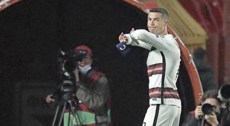 Aanvoerdersband woedende Ronaldo brengt smak geld op voor ziek kind