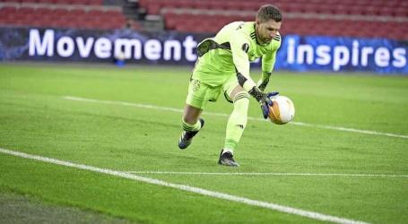 Stekelenburg: 'Ajax en ik komen er wel uit over een nieuw contract'