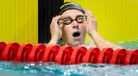 Toussaint zwemt in Eindhoven Europees record op 50 meter rugslag