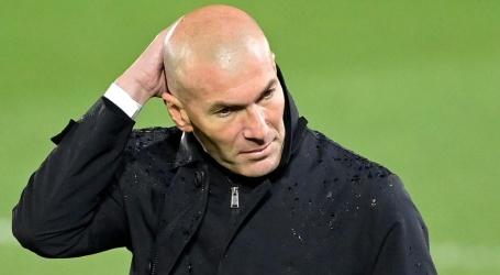 Zidane pareert kritiek Koeman: 'De fout lag niet bij de scheidsrechter'