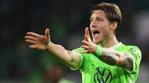 Van Bommel verspeelt koppositie met Wolfsburg ondanks treffer Weghorst