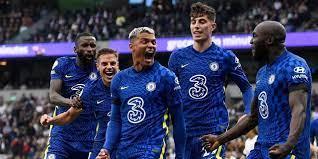 Chelsea wint derby van Tottenham, United ontsnapt in slot met gemiste penalty