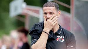 Boulahrouz tekent contract van twee jaar als assistent-trainer bij AZ