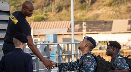Marineofficieren nemen deel aan Caribische oefeningen met Nederland
