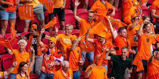 Oranje in Letland voor het eerst sinds coronacrisis gesteund door uitfans