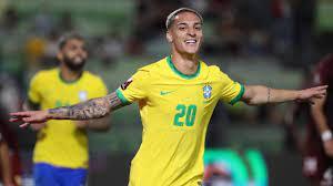 Antony scoort bij debuut voor winnend Brazilië in WK-kwalificatie